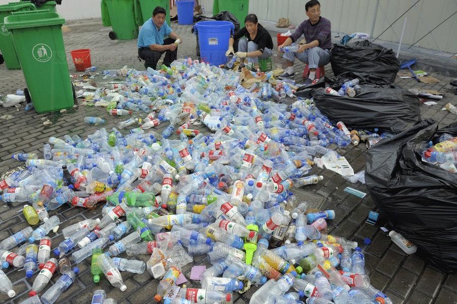 Surabaya Canangkan Sehari Tanpa Kantong Plastik