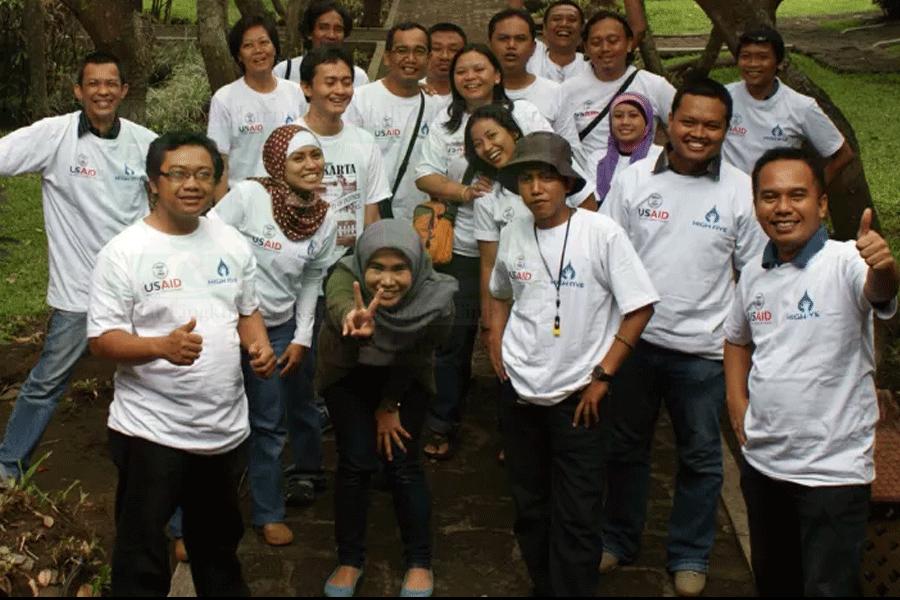 KJPL – Komunitas Jurnalis Peduli Lingkungan secara resmi dilahirkan dan dideklarasikan pada 1 Juni 2006 di Surabaya